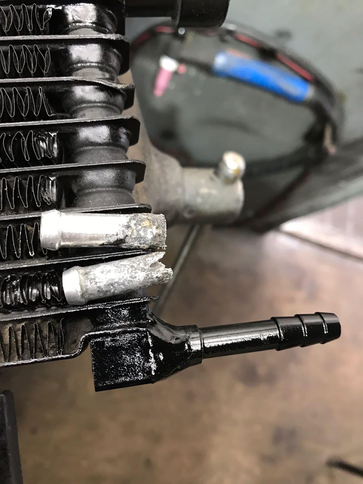 Замена сгнивших сосков радиатора АКПП